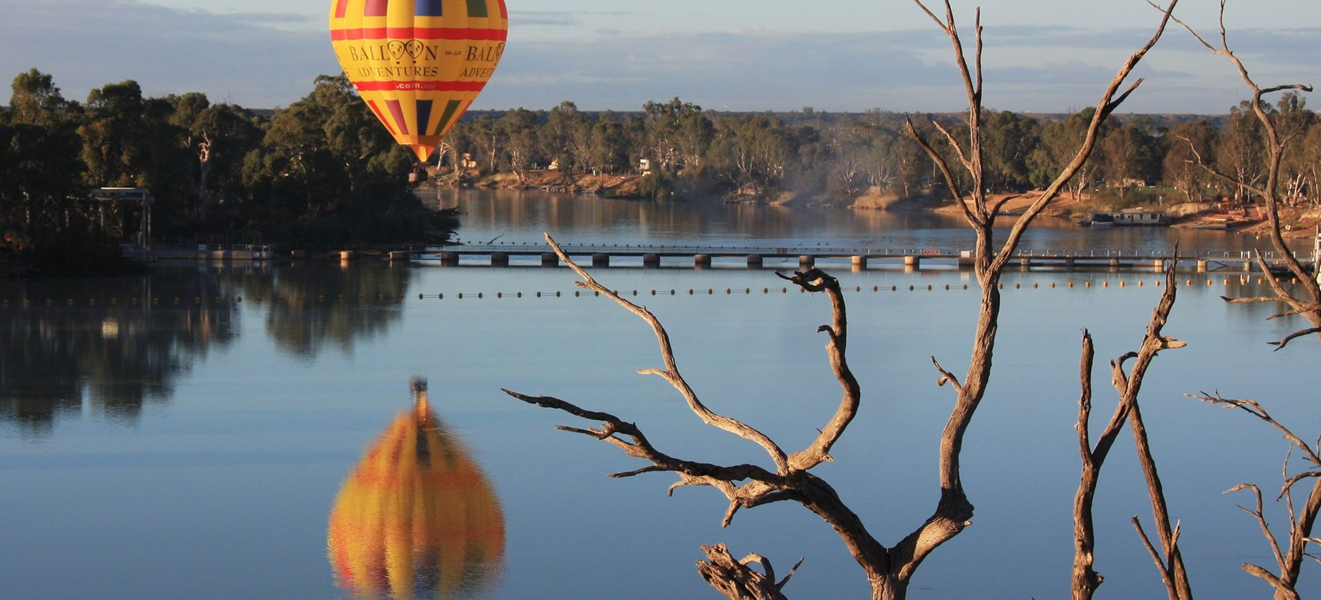 Awesome day for hot air ballooning over Murray River, SA.